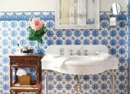 Дизайн плитки в ванной. Фото лучших интерьеров