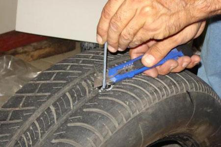Как заклеить бескамерную шину