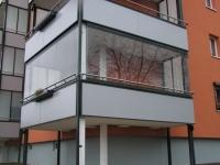 Безрамное остекление балконов: особенности и преимущества