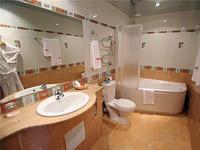 Освещение ванной комнаты и спальни