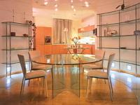 Несколько слов о стеклянной мебели