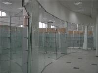 Использование стеклянных перегородок