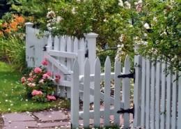 Делаем декоративный забор своими руками