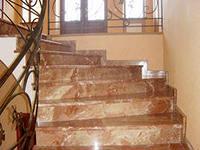 Особенности облицовки лестниц и колонн