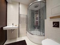 Что лучше выбрать: ванну или душевой уголок?