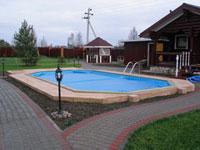 Бассейн на территории загородного дома: распространенные варианты