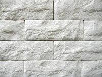 Гипсовая плитка под кирпич – практичная красота