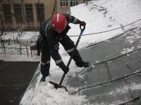 Основные этапы уборки снега с крыши